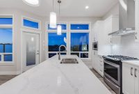 light white quartz kitchen countertops